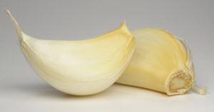 Два зубочка чеснока