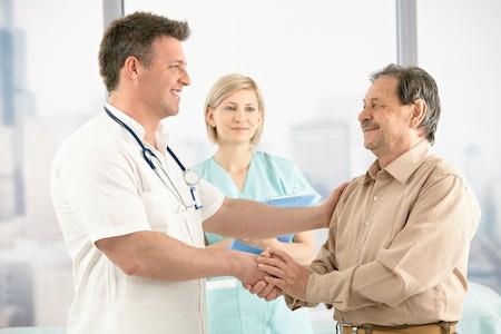 врачи и пациент