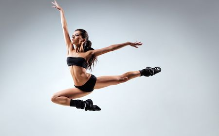 девушка-танцовщица